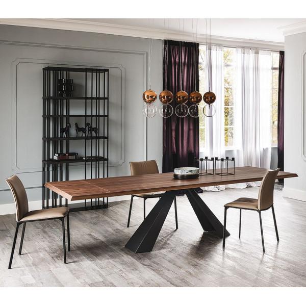 Τραπέζι με ξύλινη επέκταση