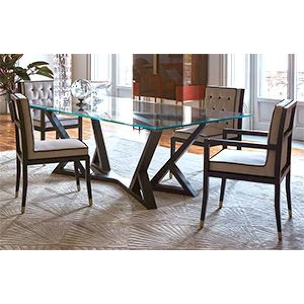 Τραπέζι με γυαλί